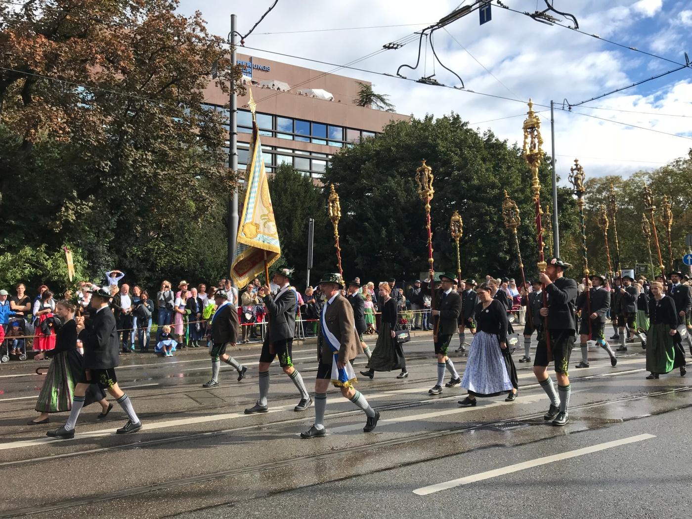 Trachten- und Schützenzug - Munich - Octoberfest 2018 - Staff Makers - Wahlmünchnerin