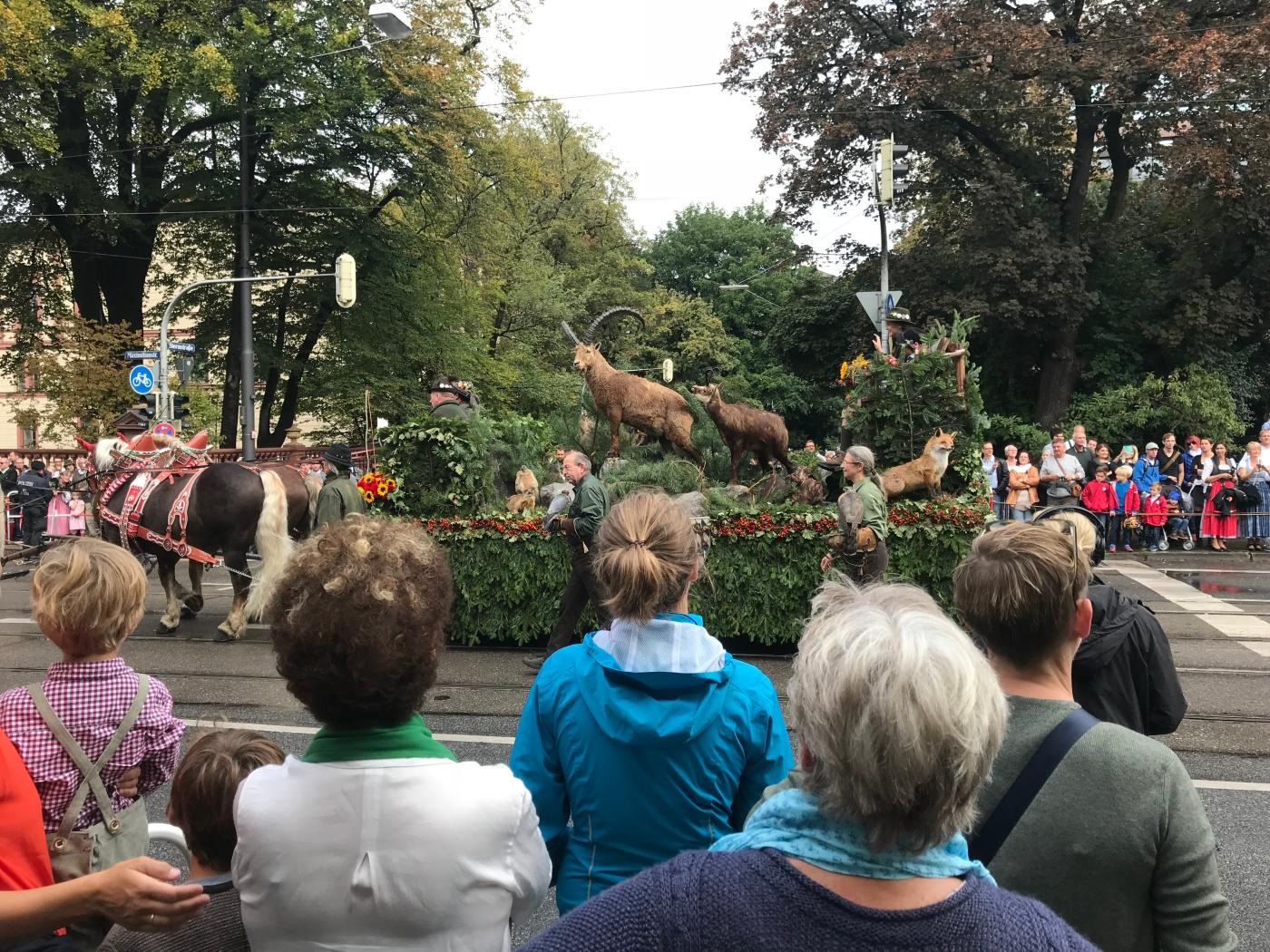 Trachten- und Schützenzug - Munich - Octoberfest 2018 - Stuffed Steinböcke - Wahlmünchnerin